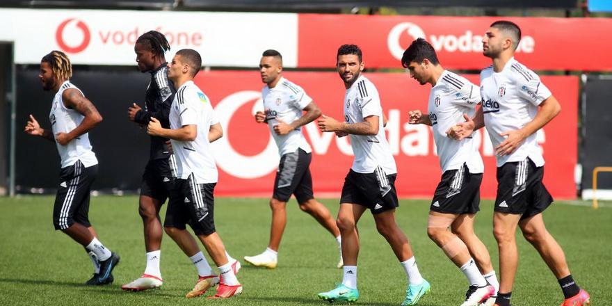 Beşiktaş'ta sakatlarla ilgili açıklama