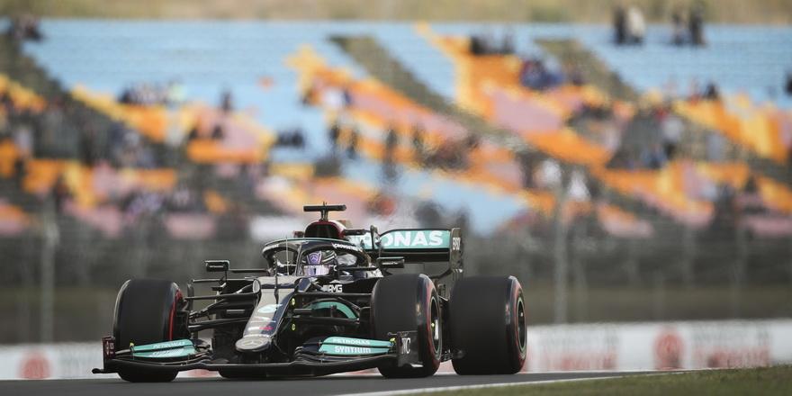 İstanbul Park'ın en hızlısı Hamilton oldu
