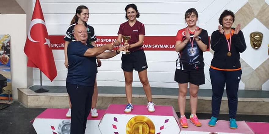 Hurey Cambaz'dan İstanbul'da üç kupa