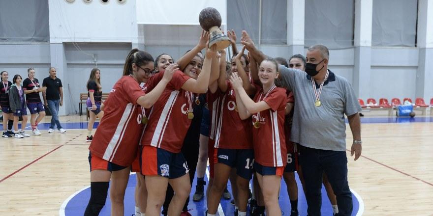 Sezonun son şampiyonu GAÜ