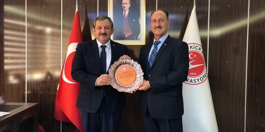 Demirel Türkiye'de temaslarda bulundu