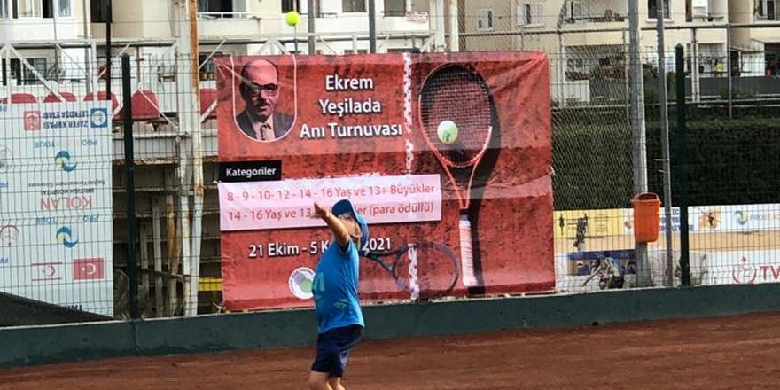 Teniste turnuvalar devam ediyor