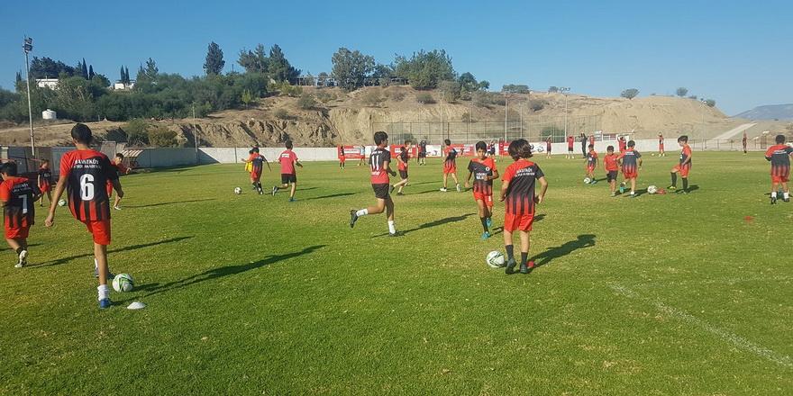 Hamitköy Futbol Akademisi yoğun çalışıyor