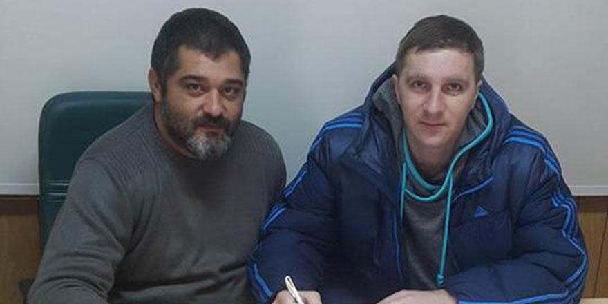 DAÜ'ye Ukraynalı hentbolcu