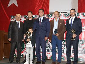 Başarılı antrenörler ödüllerini aldı