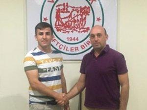 Akova'da transferler sürüyor
