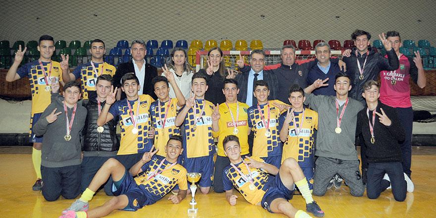 Futsalda şampiyonlar değişmedi